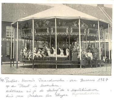 1927-pc3-001-pantens-paardemolen-vier-heymanskinderen